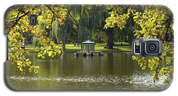 Galaxy S5 Case featuring the photograph Lake In Boston Park by Alex King