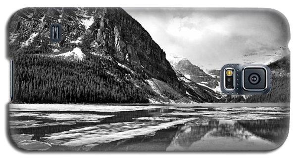 Lake Louise - Black And White #3 Galaxy S5 Case