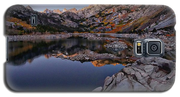 Lake Sabrina Fall Colors At Sunrise Galaxy S5 Case