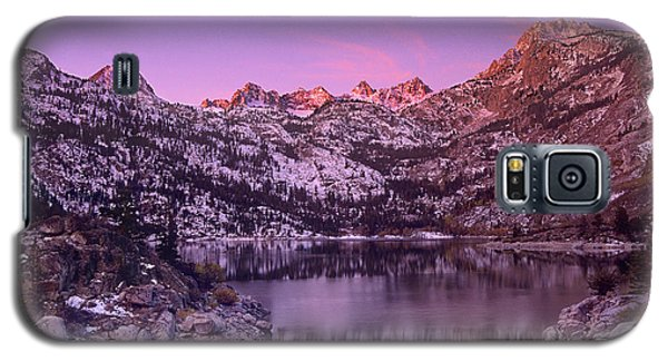 Galaxy S5 Case featuring the photograph Lake Sabrina Sunrise Eastern Sierras California by Dave Welling