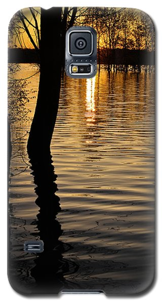 Galaxy S5 Case featuring the photograph Lake Silhouettes by Julie Andel