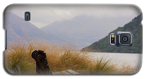 Lake Wakatipu Bench Galaxy S5 Case by Stuart Litoff