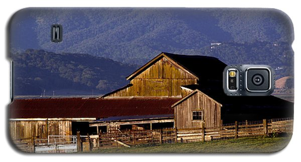 Lakeville Barn Galaxy S5 Case by Bill Gallagher