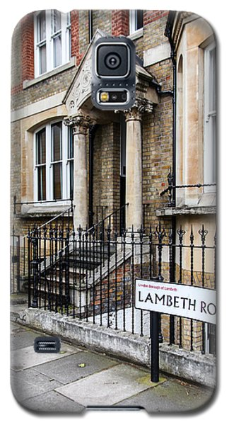 Galaxy S5 Case featuring the photograph Lambeth Road by Ross Henton