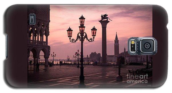 Lamppost Of Venice Galaxy S5 Case