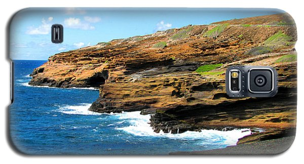 Galaxy S5 Case featuring the photograph Lanai Lookout by Kristine Merc