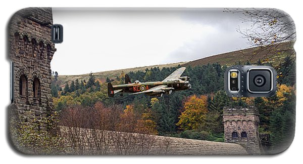 Lancaster Kc-a At The Derwent Dam Galaxy S5 Case