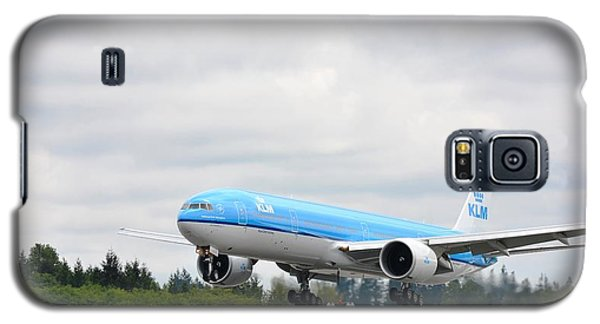 Galaxy S5 Case featuring the photograph Klm Landing by Evelina Popilian