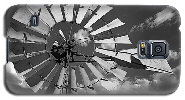 Large Windmill In Black And White Galaxy S5 Case