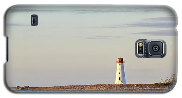 Late Afternoon At Hog Island Lighthouse On Paradise Island Baha Galaxy S5 Case