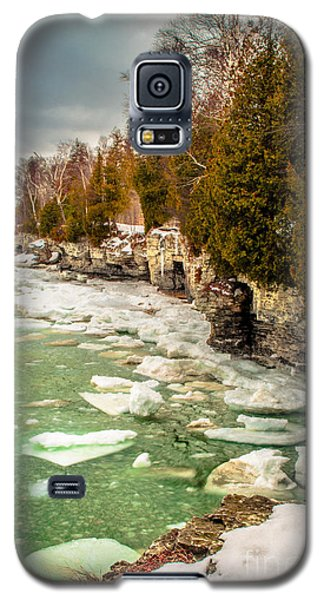 Galaxy S5 Case featuring the photograph Late Winter At Cave Point by Mark David Zahn