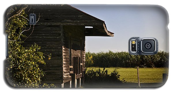 Galaxy S5 Case featuring the photograph Laura Plantation Slave Home by Ray Devlin