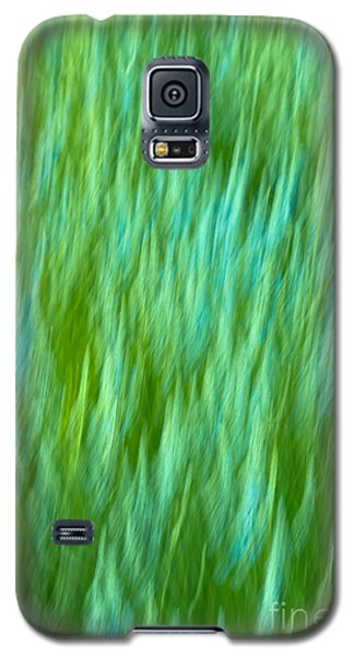 Galaxy S5 Case featuring the photograph Lavender In Abstract by Jonathan Nguyen