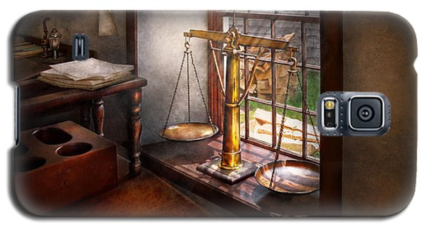 Lawyer - Scales Of Justice Galaxy S5 Case by Mike Savad
