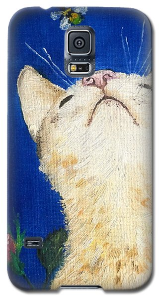 Galaxy S5 Case featuring the painting Lea And The Bee by Reina Resto