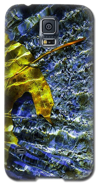 Leaf In Creek - Blue Abstract Galaxy S5 Case