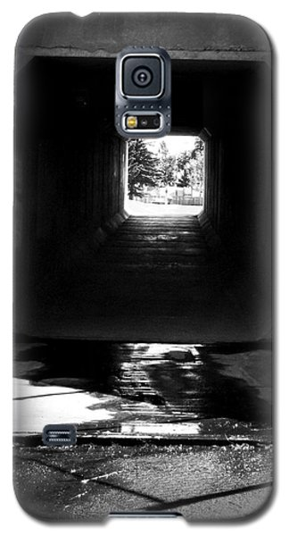 Lethbridge Underpass Galaxy S5 Case by Donald S Hall