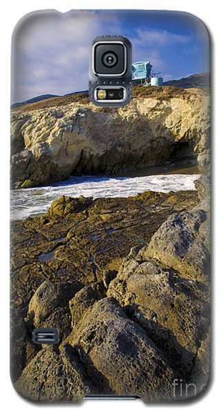 Lifeguard Tower On The Edge Of A Cliff Galaxy S5 Case