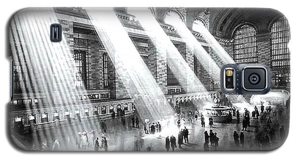 Galaxy S5 Case featuring the photograph Light Beams Grand Central Station 1929 by Merton Allen