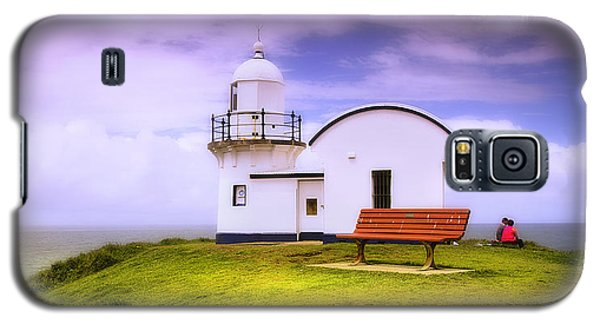 Galaxy S5 Case featuring the photograph Light House On The Hill 01 by Kevin Chippindall