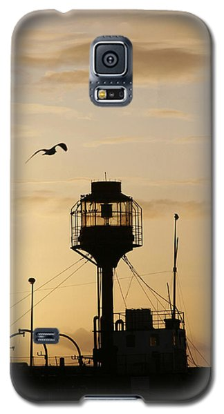 Light Ship Silhouette At Sunset Galaxy S5 Case