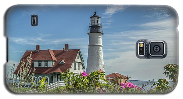 Lighthouse And Wild Roses Galaxy S5 Case by Jane Luxton