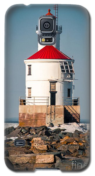 Galaxy S5 Case featuring the photograph Lighthouse On The Rocks by Mark David Zahn