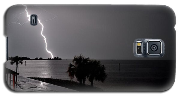 Galaxy S5 Case featuring the photograph Lightning 1 by Richard Zentner