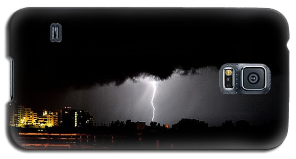 Galaxy S5 Case featuring the photograph Lightning 11 by Richard Zentner