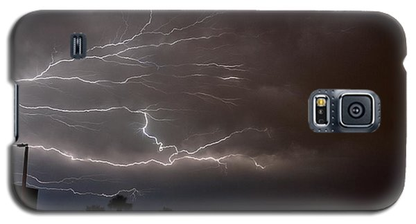 Galaxy S5 Case featuring the photograph Lightning 5 by Richard Zentner