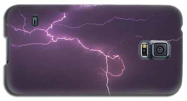 Galaxy S5 Case featuring the photograph Lightning by Rob Graham