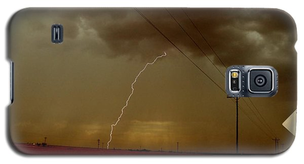 Galaxy S5 Case featuring the photograph Lightning Strike In Oil Country by Ed Sweeney