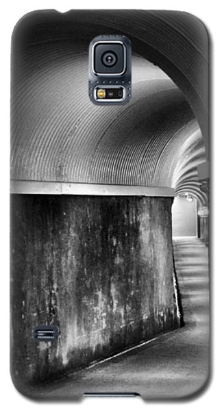 Lights At The End Of The Tunnel In Black And White Galaxy S5 Case