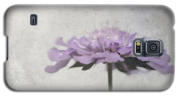 Galaxy S5 Case featuring the photograph Lilac by Annie Snel