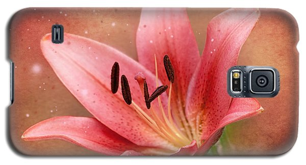 Lily Galaxy S5 Case by Ann Lauwers