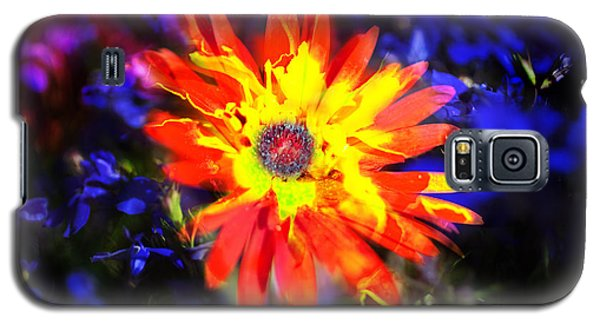 Lily In Vivd Colors Galaxy S5 Case by Gunter Nezhoda