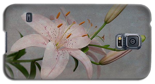 Pink Lily With Texture Galaxy S5 Case by Patti Deters
