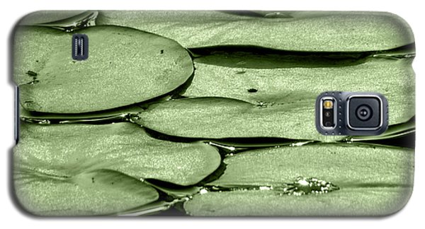 Galaxy S5 Case featuring the photograph Lilypads by Roselynne Broussard
