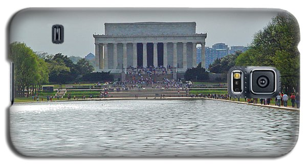 Galaxy S5 Case featuring the photograph Lincoln Memorial 1 by Tom Doud