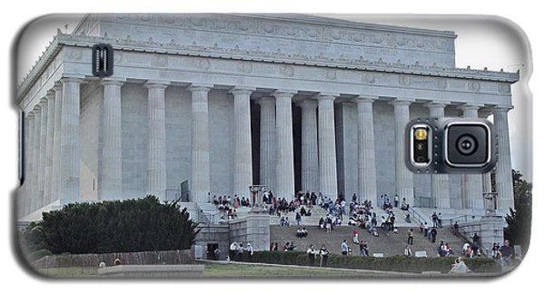 Galaxy S5 Case featuring the photograph Lincoln Memorial 2 by Tom Doud
