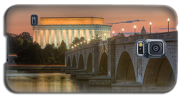 Lincoln Memorial And Arlington Memorial Bridge At Dawn I Galaxy S5 Case