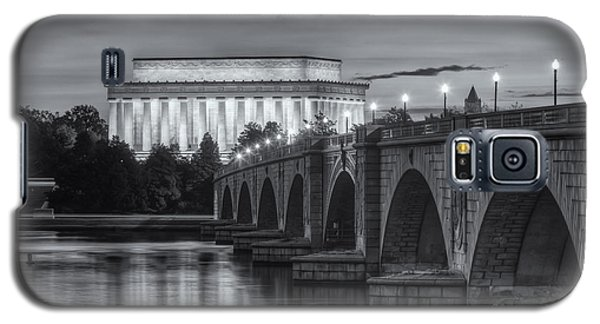 Lincoln Memorial And Arlington Memorial Bridge At Dawn II Galaxy S5 Case