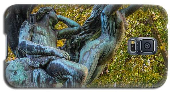 Galaxy S5 Case featuring the photograph Linden Place Sculpture by Glenn DiPaola