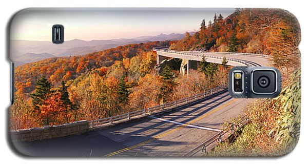 Linn Cove Viaduct On An Autumn Morning Galaxy S5 Case by Gregory Scott