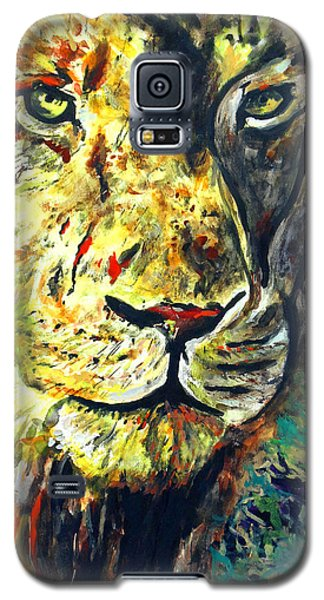 Galaxy S5 Case featuring the painting Lion by Daniel Janda
