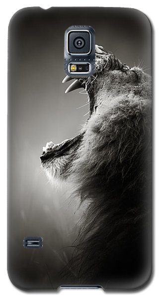 Wildlife Galaxy S5 Case - Lion Displaying Dangerous Teeth by Johan Swanepoel