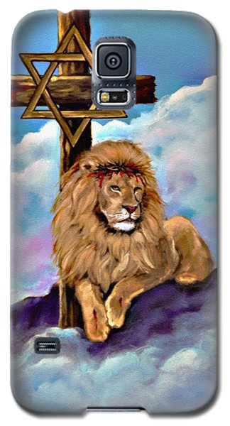 Galaxy S5 Case featuring the painting Lion Of Judah At The Cross by Bob and Nadine Johnston