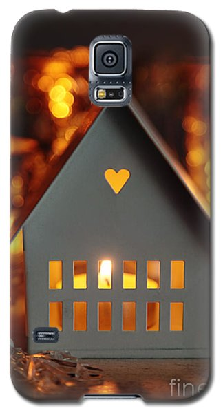Little Gray House Lit With Candle For The Holidays Galaxy S5 Case