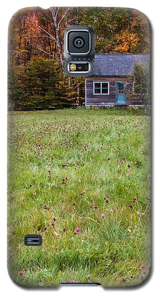 Little House At Woodlands Edge In New Hampshire Galaxy S5 Case by Karen Stephenson