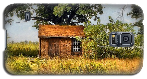 Galaxy S5 Case featuring the photograph Little House On The Prairie by Peggy Franz